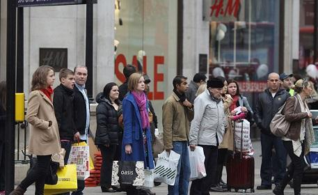 UK consumers worried about economy, personal finances following Brexit