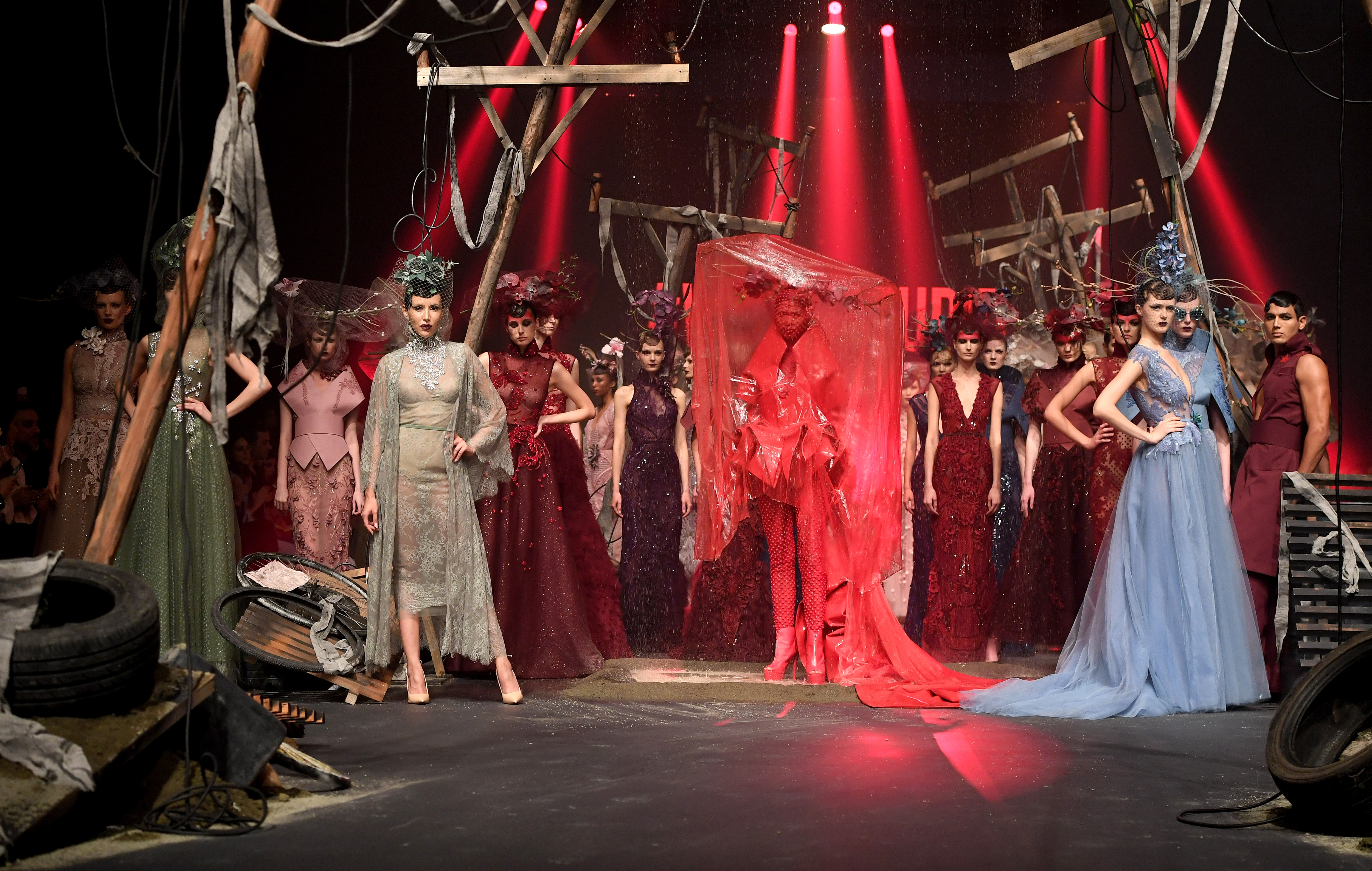 Fashion Forward Dubai Closes March Edition With 38 Designers Retail News Latest Retailing Retail Industry Business Information And Future Of Retail Business In Middle East Images Retailme