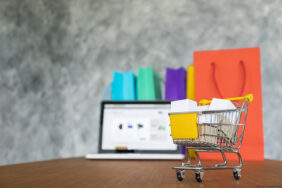 Global online sales rise 28%